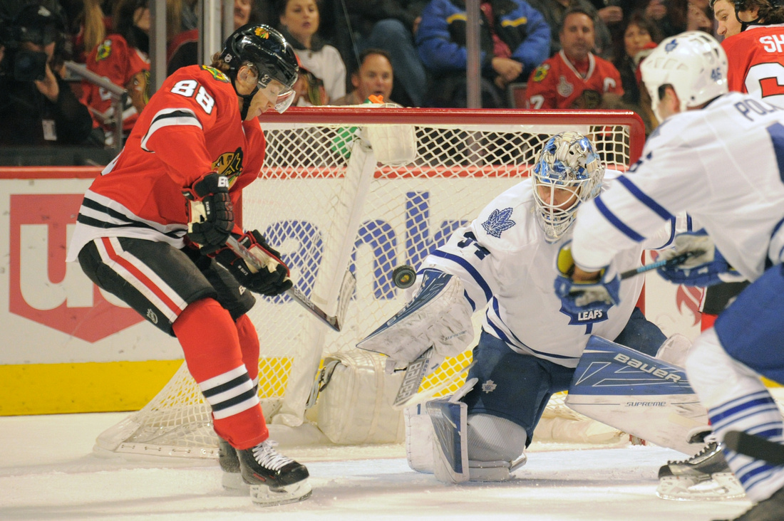 NHL: FEB 15 Maple Leafs at Blackhawks