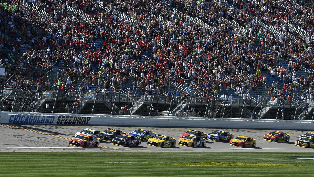 AUTO: SEP 18 NASCAR Sprint Cup Series - Teenage Mutant Ninja Turtles 400